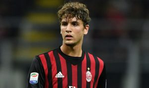 Genoa Memaksa Untuk Mengambil Gelandang AC Milan