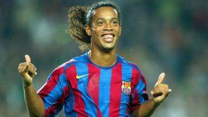 Tahun Ini Ronaldinho Memutuskan Untuk Pensiun Dari Pesepakbola