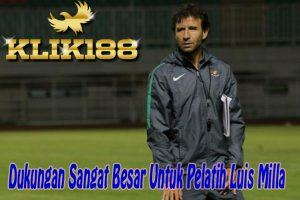 Dukungan Sangat Besar Untuk Sang Pelatih Luis Milla